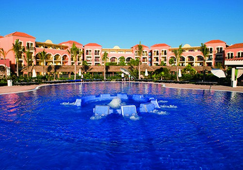 Swimming Pools in large Hotel Resorts